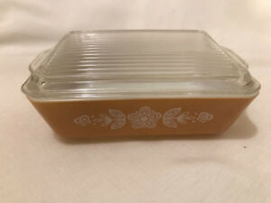 Vintage Pyrex Butterfly Gold #503 1 1/2qt Refrigerator Dish With
