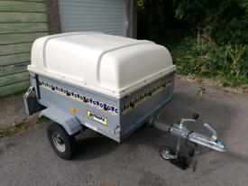 Noval 4x3 Trailer with lockable hard top