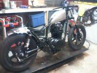 atelier moto custom  bobber café racer old school tracker etc..