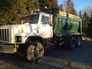 1998 International 2654 Tandem axle dump