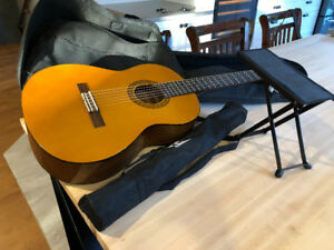 Guitare YAMAHA CS40