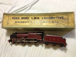 Antique Bassett-Lowke O Gauge Train Set