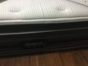 Beauty rest black mattress king size $75.00