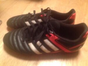 Youth boys size 5 adidas soccer cleats