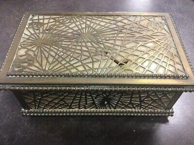 TIFFANY STUDIOS DESIGNS PINE NEEDLE BRONZE JEWELRY BOX #816 (LAM022913)