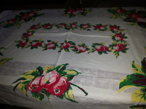 Vintage Apples tablecloth**Price reduced**