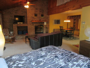 $170/night midweek private hottub & wood fireplace
