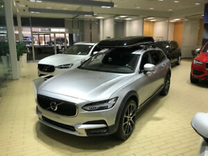 2018 VOLVO V90 T6 AWD Cross Country - Like New
