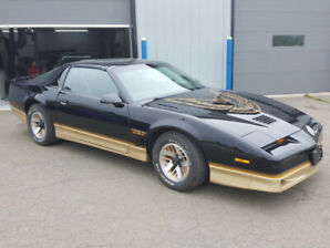 1986 Pontiac Firebird Trans Am T-Tops