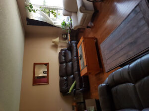 FURNISHED ROOMS 4 RENT CLEAN AND QUIET HOUSE SMOKING OUTSIDE