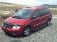2004 Chrysler Town & Country Limited Minivan, Van