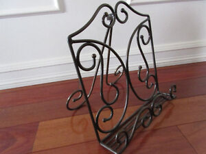 Princess House Meridian Book Stand, Plate Rack