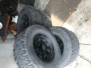 Mickey Thompson Baja ATZ  33 x 11.5.     305 65 R17