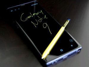 Samsung Note 9! Like new! With extras!! For trade or sale!