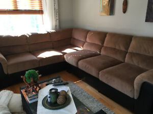 Large Sectional In Mint Condition