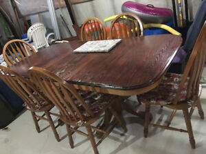 Solid oak kitchen table & chairs