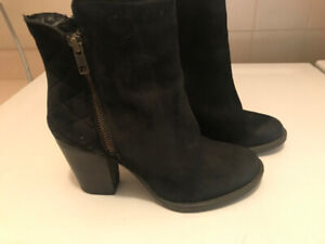 Ladies Black Suede Steve Madden Boots Size 6, new, $50
