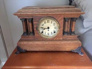 Horloge Antique 1904-1906 Arthur Pequegnat