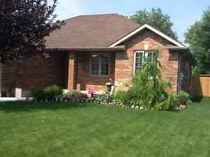 House in Amherstburg for Sale