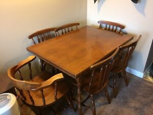 Dining Table With Slide Out Leaves And Six Chairs London Ontario image 1