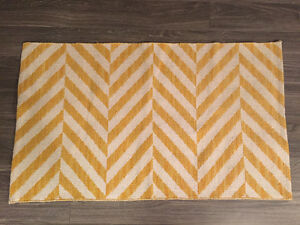 Yellow & white Mat