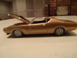 Loose Greenlight AUCTION BLOCK - 1971 '71 DODGE CHARGER R/T Gold Sarnia Sarnia Area image 2