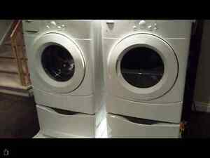 Wirlpool washer and dyer with pedelstal