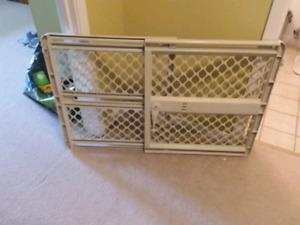 Baby Gate 25-41 inch spread