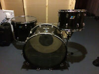 3 Piece Ludwig Vistalite 70's Kit in Smoke Acrylic