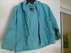 B.U.M. Rain jacket with removable hood Size 6X for girls