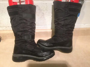 Women's Cougar Prima Winter Boots Size 8 London Ontario image 6