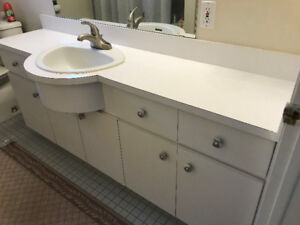 Bathroom vanity in great condition