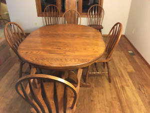 Mennonite Solid Oak Dining Table and Chairs
