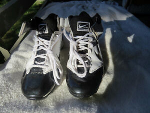 "NIKE ""SUPER BAD"" FOOTBALL CLEATS - SIZE 8 1/2"
