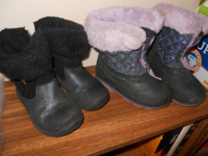 CHILD'S SIZE 9 WINTER BOOTS