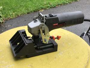 Biscuit Joiner with built in depth guide