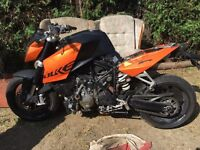 KTM super Duke 990 breaking