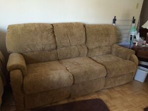 Two piece couch set  Sarnia Sarnia Area image 1