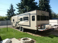 31ft. Everlite Travel Trailer
