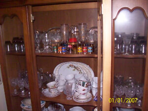 Complete Beautiful Dining Set with Full China Cabinet! Windsor Region Ontario image 4