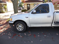1999 Ford F-150 Sports Edition Pickup Truck w/tonneau cover.