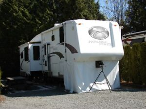 2006 36' RL 5th Wheel Paradise Pointe by Crossroads