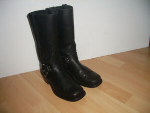 """""BOULET "" motocycle boots -- durable leather -- size 7 US men"