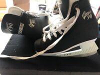 Junior ice skates size 2 ccm