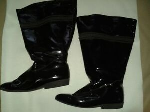WOMEN'S WIDE CALF LEATHER BOOTS