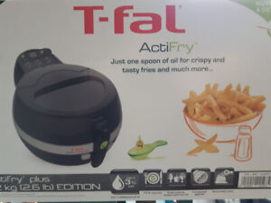 T-Fal ACTIFRY BRAND NEW IN UNOPENED BOX- LATEST MODEL 1.2kg