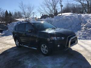 Mitsubishi Outlander LS 2012 V6 3.0 L AWD 7 places