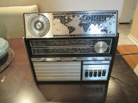 Vintage Multi-Band Radio