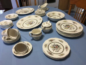 China Dishes: Rosedale, Brown Rope Edge pattern