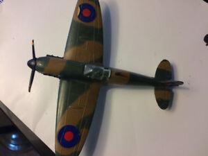 DINKY TOYS SPITFIRE MK.II 719 1967-77 ENGLAND WW II Diecast - G1